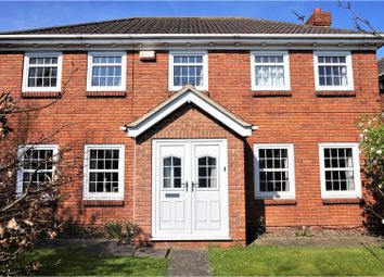Thumbnail 4 bed detached house for sale in Elwyn Place, Cleethorpes