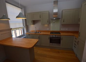 Thumbnail 1 bed flat to rent in High Street, Alton