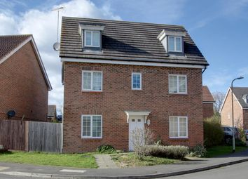 Thumbnail 6 bed detached house to rent in Allfrey Grove, Spencers Wood, Reading