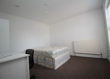 Thumbnail 1 bed terraced house to rent in 8 Prebend Street, Bedford