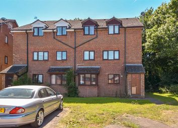 Thumbnail 2 bed flat to rent in Guillemot Lane, Wellingborough