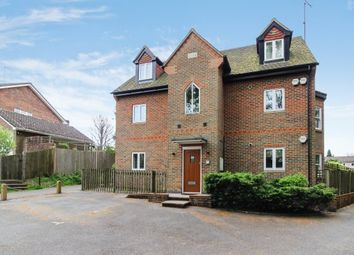 Thumbnail 2 bed flat to rent in Pathfields, Haslemere