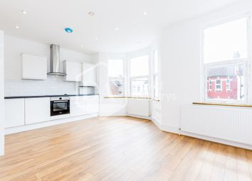 Thumbnail 3 bed flat to rent in Willingdon Road, Turnpike Lane, London