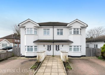 Thumbnail 3 bedroom flat to rent in Park Avenue, Mitcham