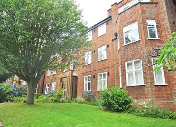 Thumbnail 3 bed flat to rent in Haslemere Road, Crouch End