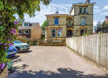 Thumbnail 1 bed flat to rent in London Road, Southborough, Tunbridge Wells