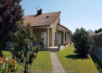 Thumbnail 5 bed villa for sale in Parentignat, Auvergne, 63500, France