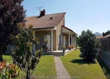 Thumbnail 5 bed villa for sale in Parentignat, Auvergne, 63500, France