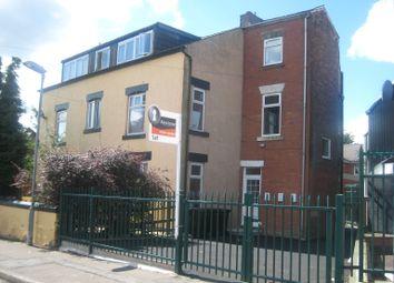 Thumbnail 1 bed flat to rent in Welfield Street, Lowerplace, Rochdale