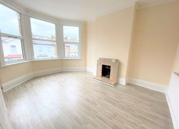 Thumbnail Property to rent in Lyndhurst Road, London