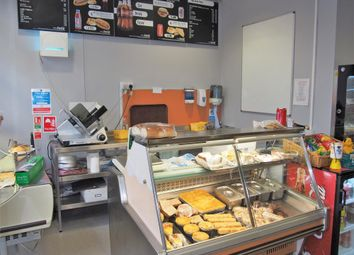 Thumbnail Restaurant/cafe for sale in Cafe & Sandwich Bars CV11, Warwickshire