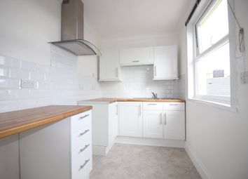 Thumbnail 1 bed flat to rent in Thurlow Road, Torquay
