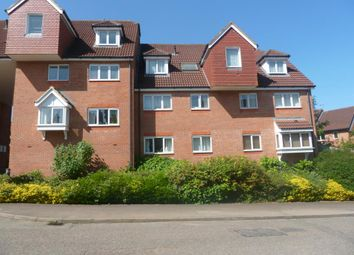 2 bed flat to rent in Lenborough Road, Buckingham MK18