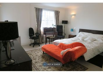 Room to rent in Eagle Wharf East, London E14