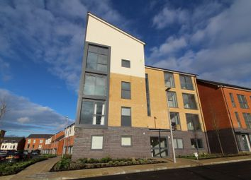 Thumbnail 1 bed flat to rent in Woolhampton Way, Reading