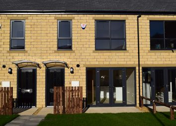 Thumbnail 3 bed town house to rent in Red Holt Avenue, Keighley