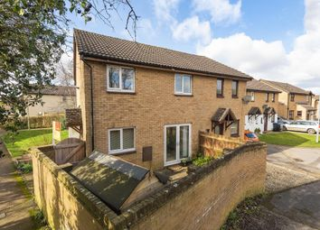 1 bed semi-detached house to rent in Heather Close, Carterton OX18