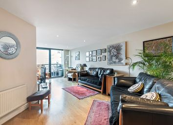 Thumbnail Flat for sale in Kingsway, London