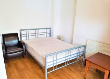 Thumbnail Studio to rent in Chaucer Road, Ashford