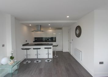 Thumbnail 3 bed flat for sale in Waterhouse Street, Hemel Hempstead, London