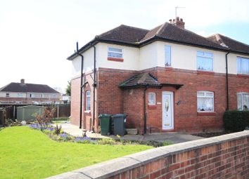 Thumbnail 3 bed town house for sale in Carr House Road, Hyde Park, Doncaster