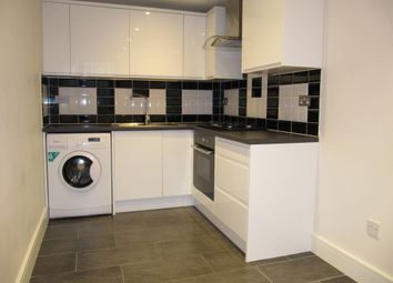 1 bed flat to rent in Grand Union House, The Ridgeway, Iver, Bucks SL0