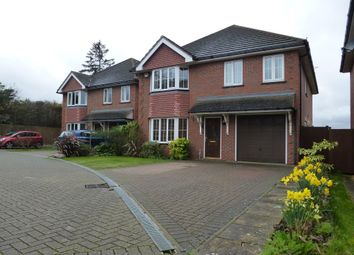 Thumbnail 5 bed detached house for sale in Hatherley Chase, Luton