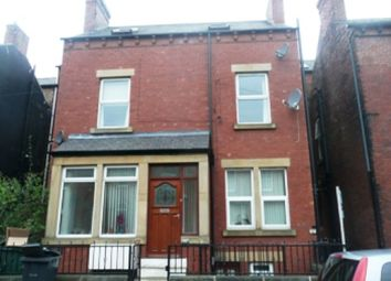 Thumbnail 1 bed flat to rent in Edinburgh Road, Armley, Leeds