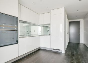 2 bed flat to rent in Vauxhall Sky Gardens 155 Wandsworth Road, London SW8
