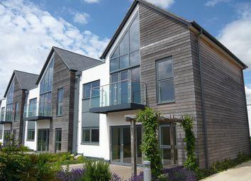 2 bed flat to rent in Parkway, Newbury, Berkshire RG14