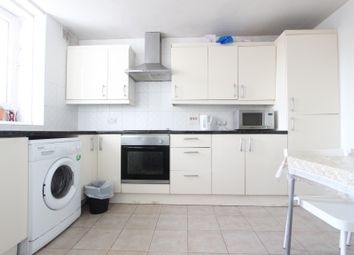 Thumbnail 4 bed shared accommodation to rent in Hall Place, London
