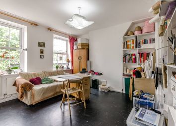 Thumbnail 1 bed flat for sale in Rollit Street, Islington