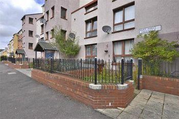 Thumbnail 1 bedroom flat to rent in Barn Park Crescent, Clovenstone, Edinburgh Available 27th September