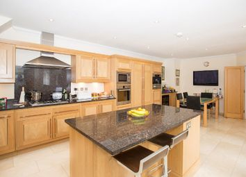 Thumbnail 3 bed flat for sale in Dorchester Mansions, Cross Road, Ascot, Berks