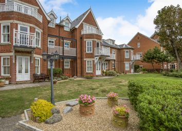 Thumbnail 2 bedroom flat for sale in Undercliff Road East, Felixstowe