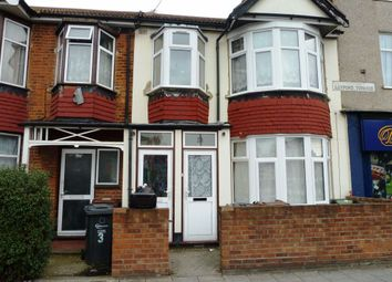 2 bed flat to rent in Loxford Terrace, Barking IG11
