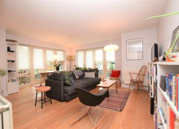 Thumbnail 2 bed flat for sale in Cavendish Road, Clapham
