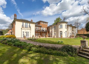 Thumbnail 2 bed flat to rent in Quoitings Gardens, Marlow, Buckinghamshire