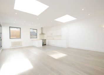 Thumbnail 2 bed flat to rent in County Street, London Bridge