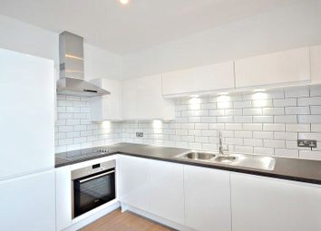 Thumbnail 1 bed flat to rent in Lansdowne Avenue, Slough