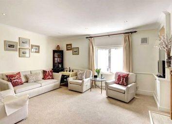 Thumbnail 2 bed flat to rent in Abingdon Road, Kensington