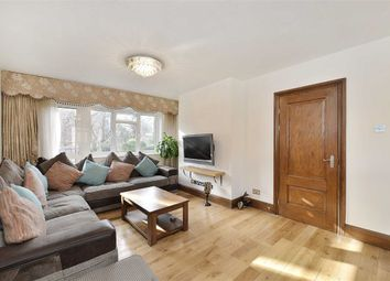 Thumbnail 3 bed flat to rent in Aquila Street, London