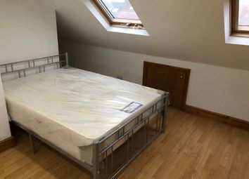 Thumbnail Room to rent in Brook Crescent, Chingford