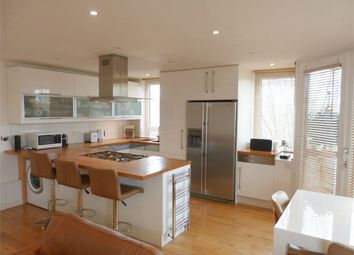 2 bed flat to rent in St. Marks Road, Henley-On-Thames RG9
