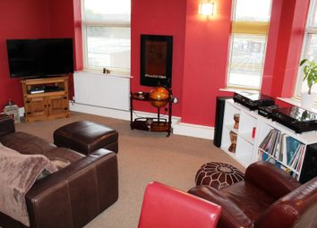Thumbnail 2 bed flat for sale in Boothferry Road, Goole