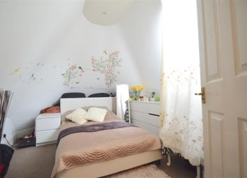 Thumbnail 2 bedroom flat for sale in The Grove, Gravesend
