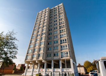 Thumbnail 2 bedroom flat for sale in Balmoral Road, Westcliff-On-Sea