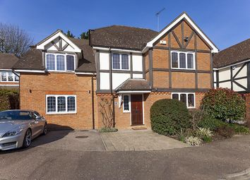 4 bed property for sale in Linfield Close, Hendon, London NW4