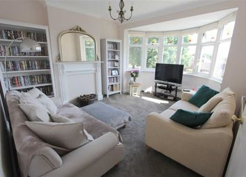 Thumbnail 3 bed maisonette to rent in Endlebury Road, North Chingford, London