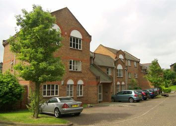 Thumbnail 2 bed flat to rent in Catherine Drive, Richmond